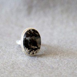 انگشتر نقره با نگین عقیق شجر سیاه